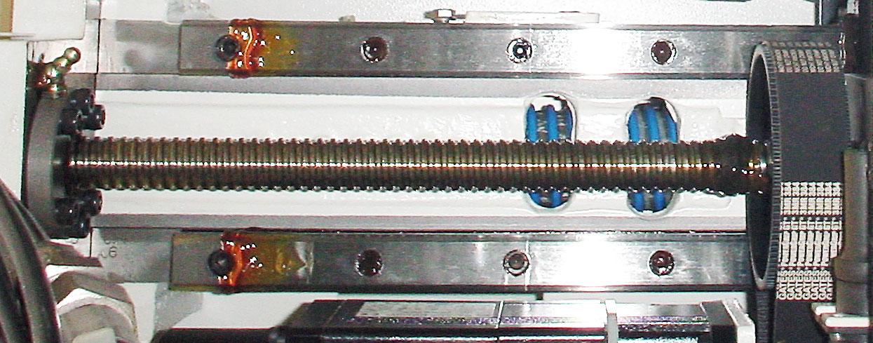 шариково-винтовой привод станка AGIE с ременным редуктором