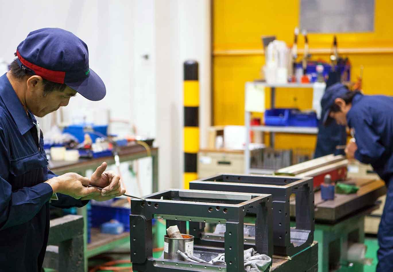 ручное шабрение на заводах Sodick